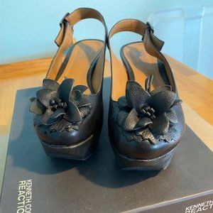 Kenneth Cole Reaction Black Wedge Shoes Size 6M